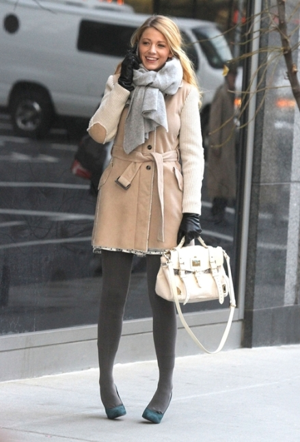 "Blake Lively Films ""Gossip Girl"" In New York"